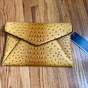 Handbags - Mustard clutch! ❤️